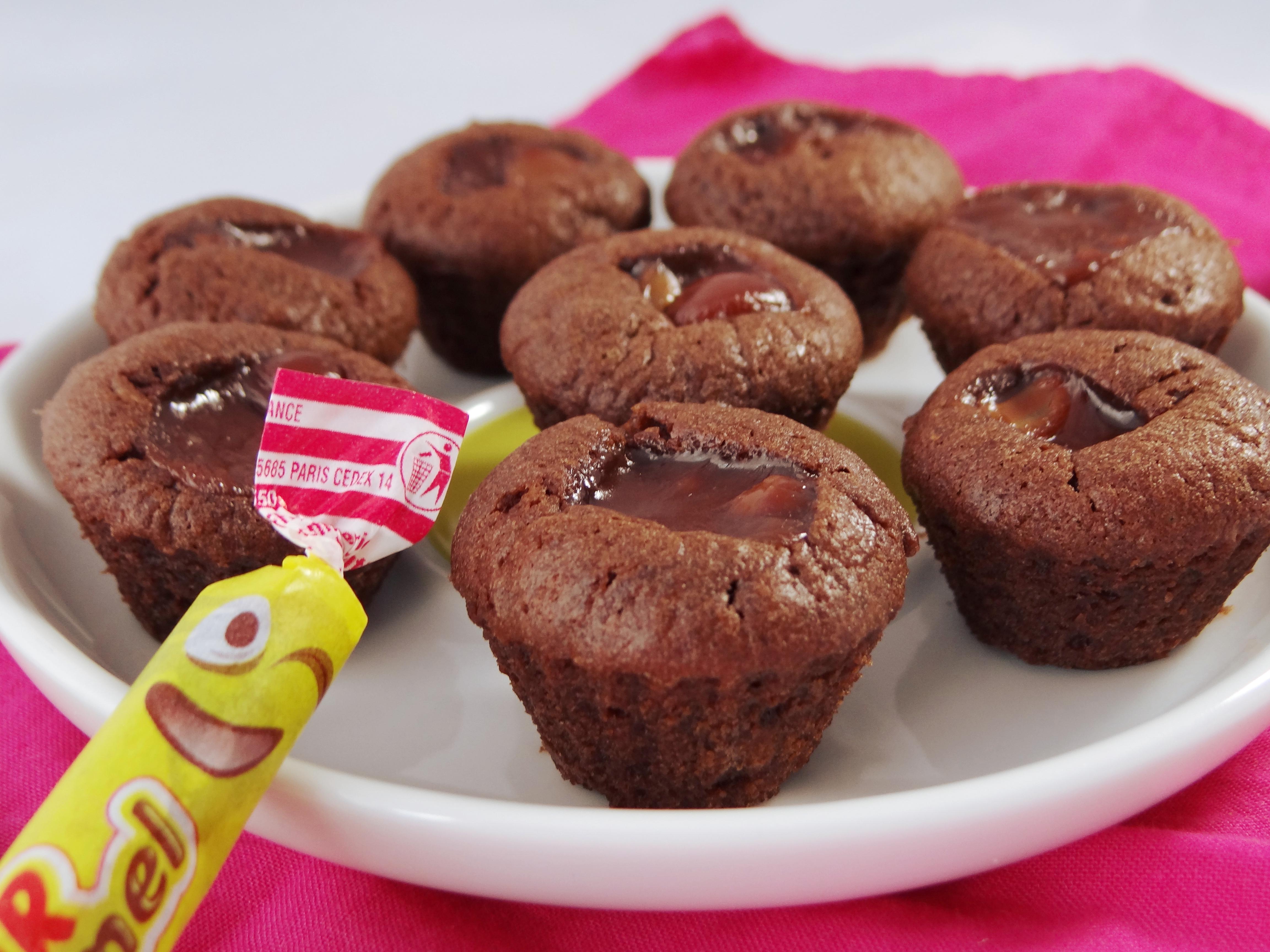 mini muffins au chocolat et au carambar little muffins. Black Bedroom Furniture Sets. Home Design Ideas